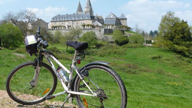 Véloroute en Creuse Bénévent l'abbaye