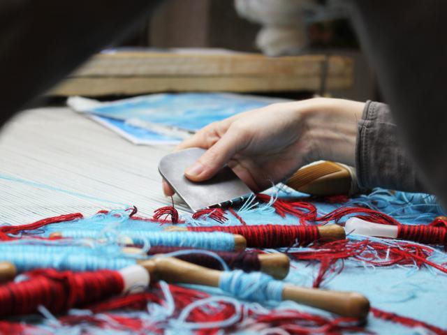 tapisserie-et-savoir-faire-lainiers-07-aubusson-felletin-tourisme-scaled.jpg